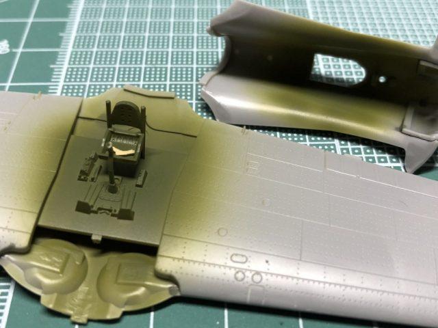 モデルグラフィックスのマガジンキット隼のコクピットを塗装