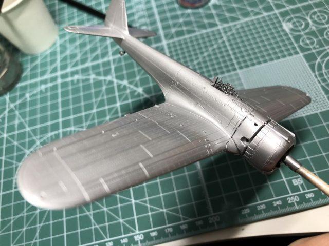 モデルグラフィックスのマガジンキット隼のシルバー塗装にクリアー